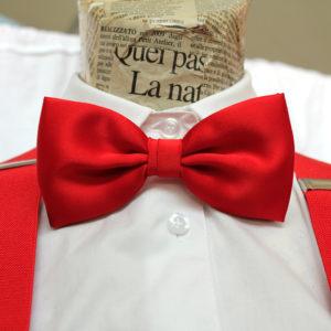 Papillon rosso per cameriere di sala
