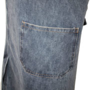 Grembiule jeans con spacco particolare